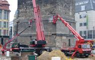 Entfernung der Stahlträger am roten Turm durch GiH
